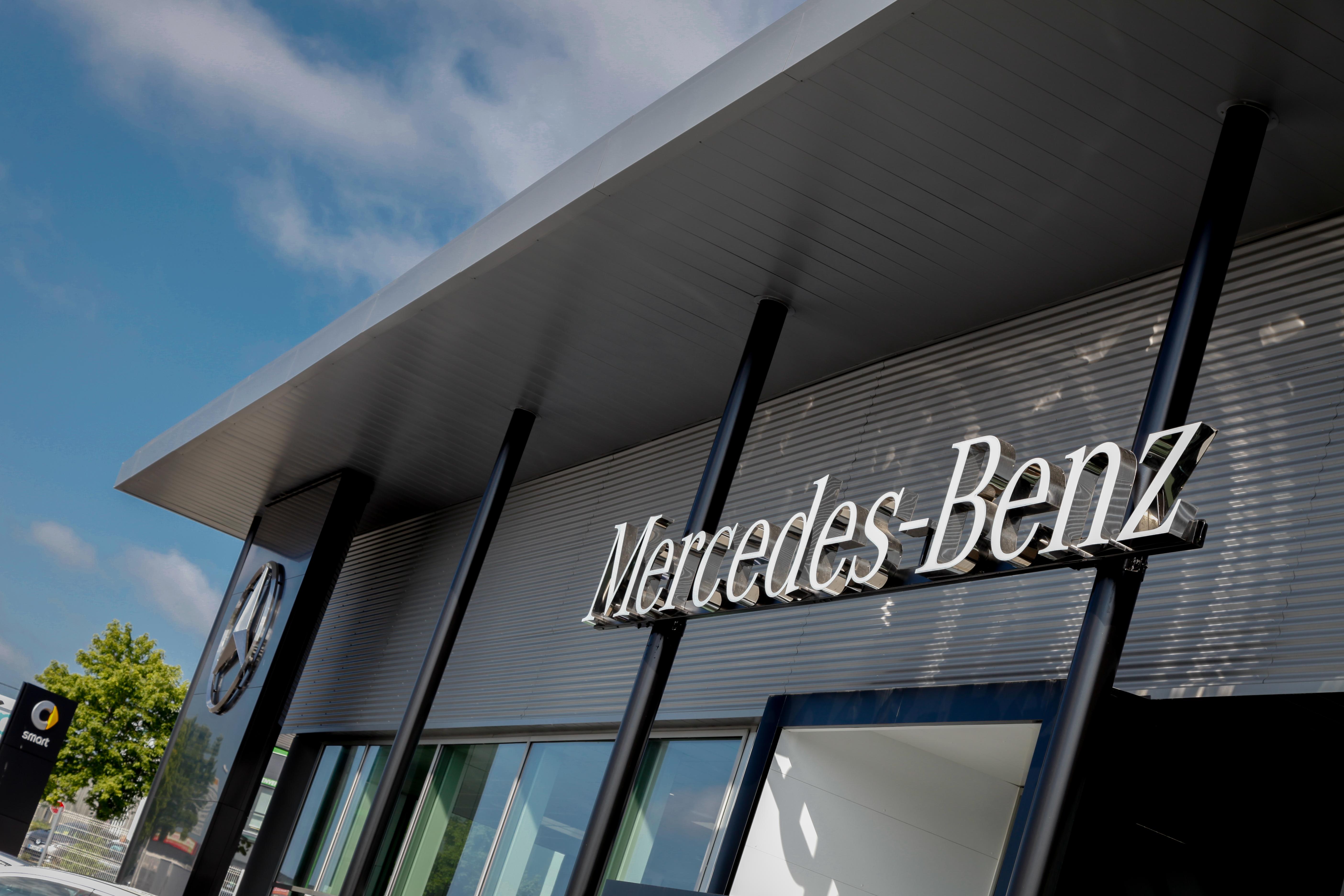 Entrée Mercedes Benz